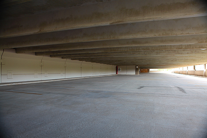 Manatí Medical Center Parking Deck